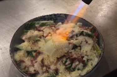 不二楼 焼きシーザーサラダ